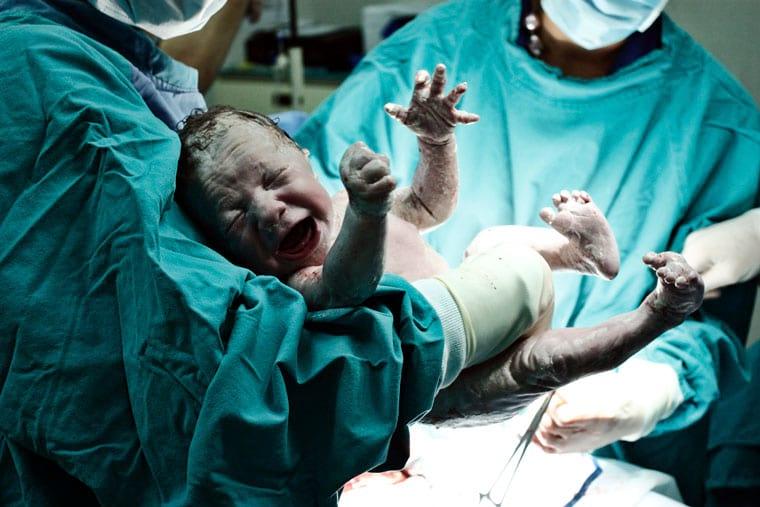 תינוק לאחר לידה