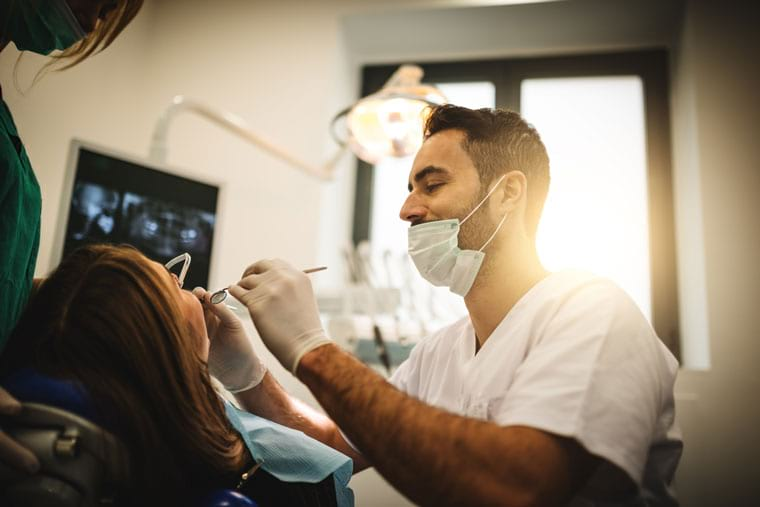 טיפול בשיניים